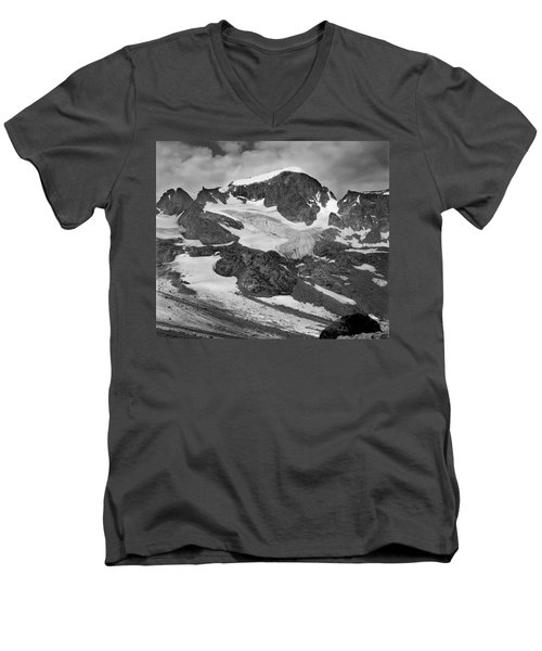 509427-bw-gannett Peak And Gooseneck Glacier, Wind Rivers Men's V-Neck T-Shirt