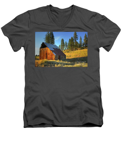 Garden Valley Barn Men's V-Neck T-Shirt