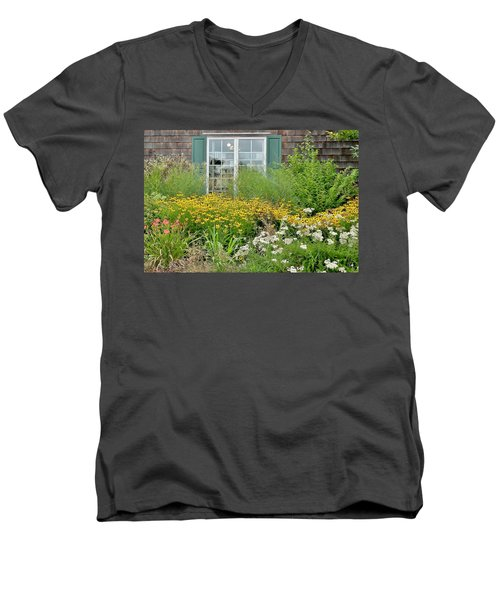 Gardens At The Good Earth Market Men's V-Neck T-Shirt