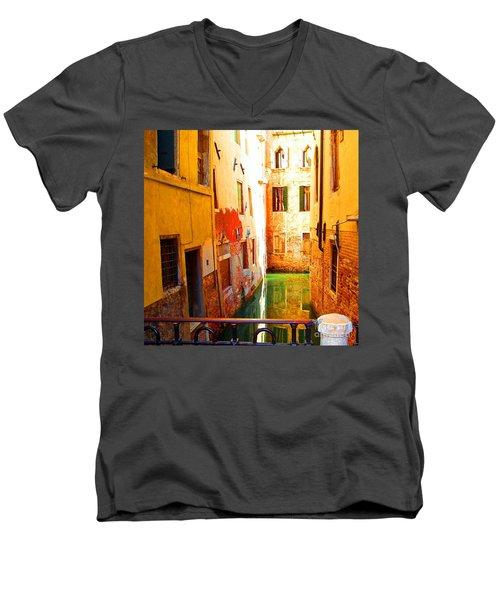 Golden Canal Men's V-Neck T-Shirt