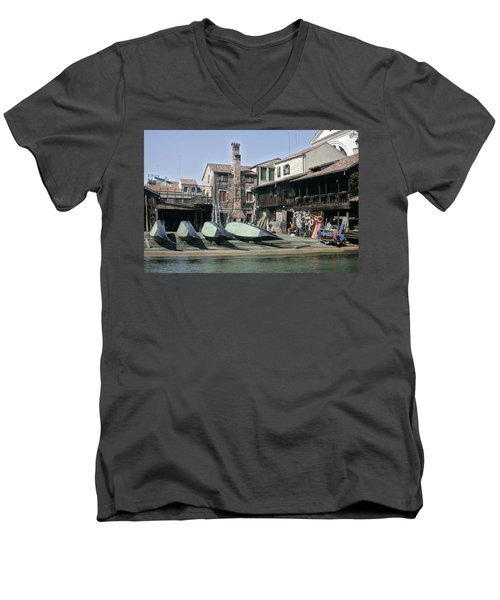 Gondola Showroom Men's V-Neck T-Shirt