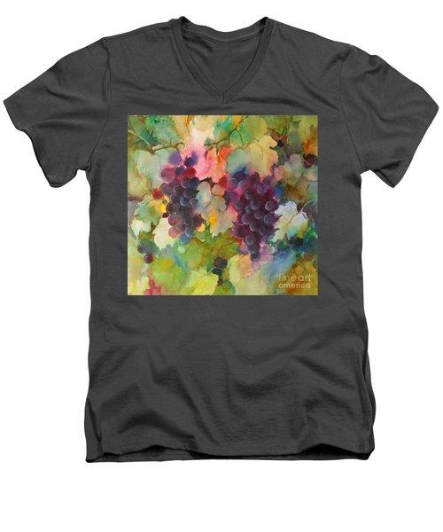 Grapes In Light Men's V-Neck T-Shirt