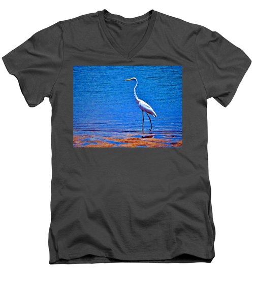 Men's V-Neck T-Shirt featuring the photograph Great Egret by Ludwig Keck