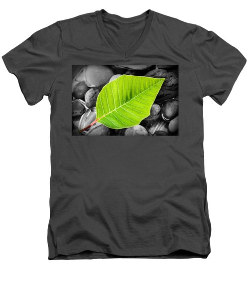 Green Leaf Men's V-Neck T-Shirt