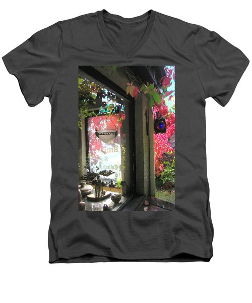 Griff's Antiques Men's V-Neck T-Shirt