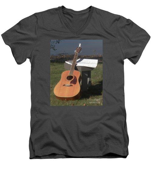 Guitar Solo Men's V-Neck T-Shirt