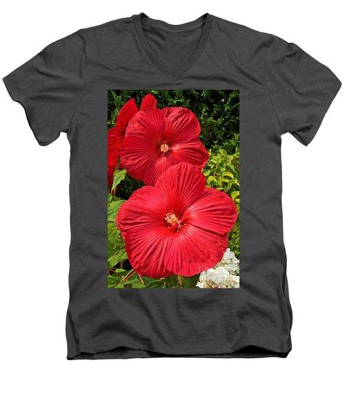 Hardy Hibiscus Men's V-Neck T-Shirt