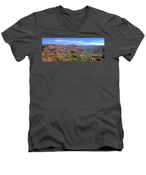 Hawaii Kauai Waimea Canyon Beautiful Panorama Men's V-Neck T-Shirt