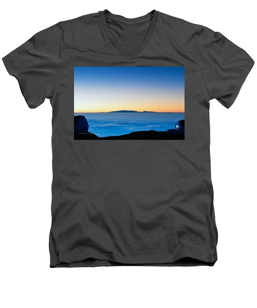 Men's V-Neck T-Shirt featuring the photograph Hawaii Sunset by Jim Thompson