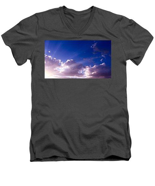 His Glory Men's V-Neck T-Shirt