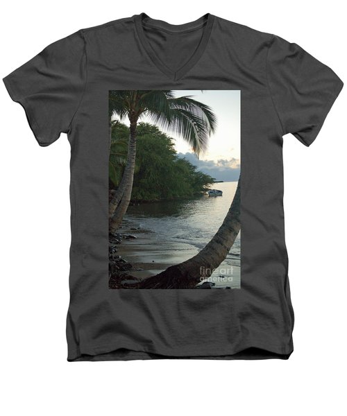 Hotel Molokai Beach Men's V-Neck T-Shirt