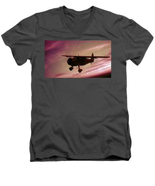 Men's V-Neck T-Shirt featuring the photograph Howard Dga by Greg Reed