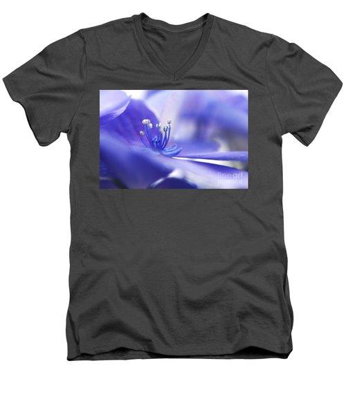 Hydrangea Closeup Men's V-Neck T-Shirt