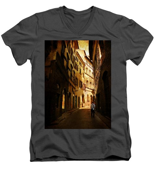 Men's V-Neck T-Shirt featuring the photograph Il Turista by Micki Findlay