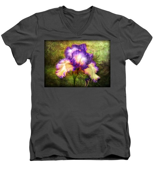 Iris Beauty Men's V-Neck T-Shirt
