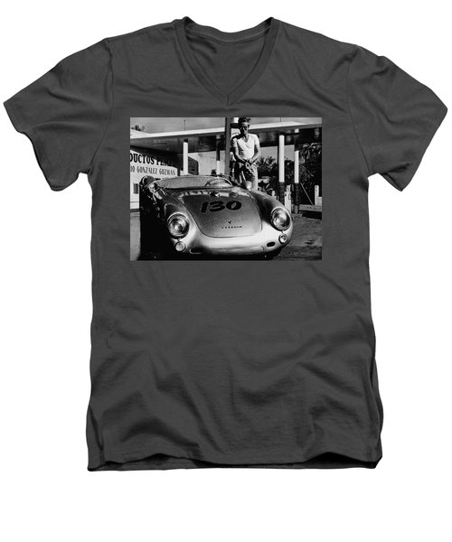 James Dean Filling His Spyder With Gas In Black And White Men's V-Neck T-Shirt