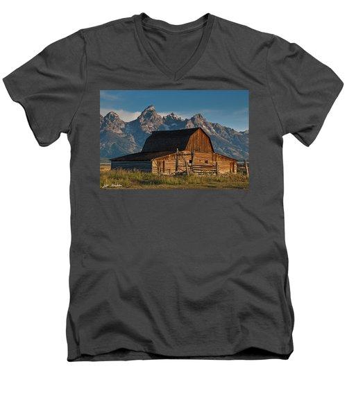 John And Bartha Moulton Barn Men's V-Neck T-Shirt by Jeff Goulden