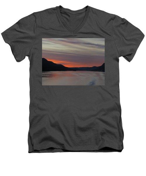 Juneau Alaska Men's V-Neck T-Shirt