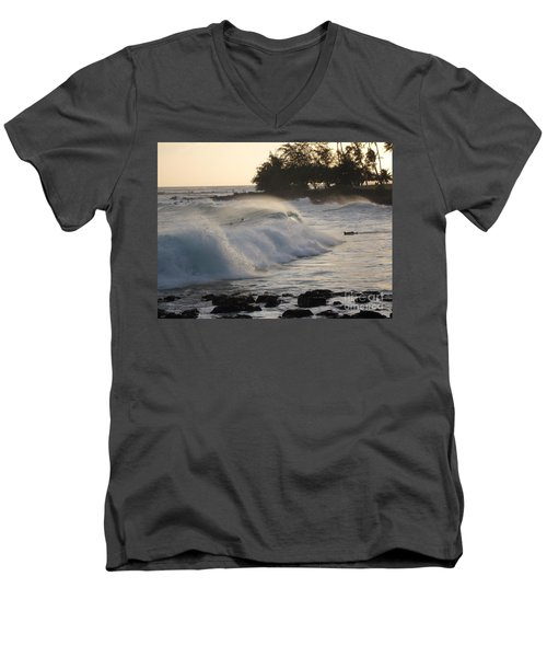 Kauai - Brenecke Beach Surf Men's V-Neck T-Shirt