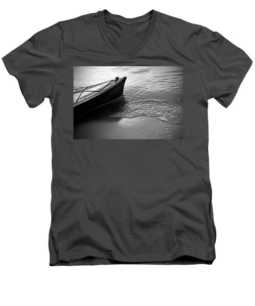 Kayak Men's V-Neck T-Shirt