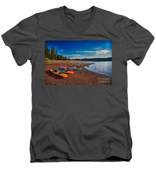 Kayaking On Howard Prairie Lake In Oregon Men's V-Neck T-Shirt