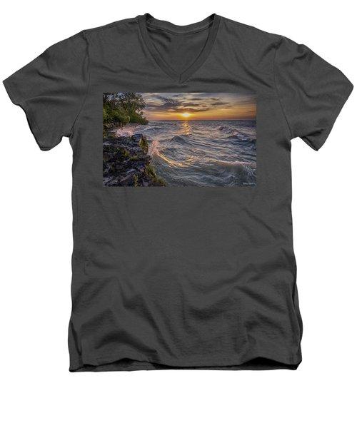 Kelleys Island At Sunset Men's V-Neck T-Shirt