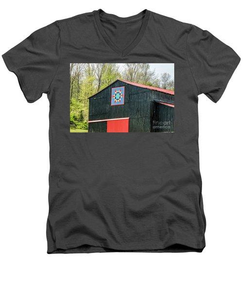 Kentucky Barn Quilt - 2 Men's V-Neck T-Shirt