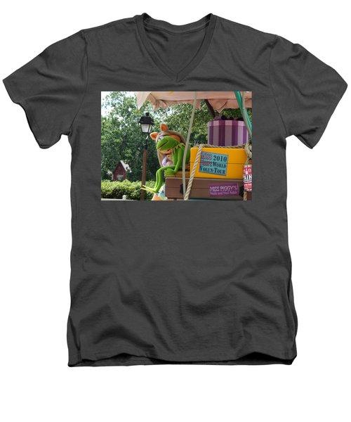 Men's V-Neck T-Shirt featuring the photograph Kermey by David Nicholls