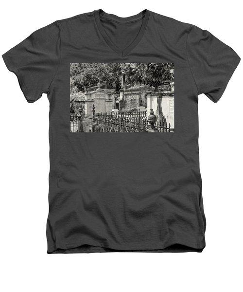 Lafayette Cemetery No. 1 Men's V-Neck T-Shirt