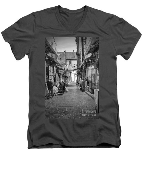 Men's V-Neck T-Shirt featuring the photograph Les Artistes by Eunice Gibb