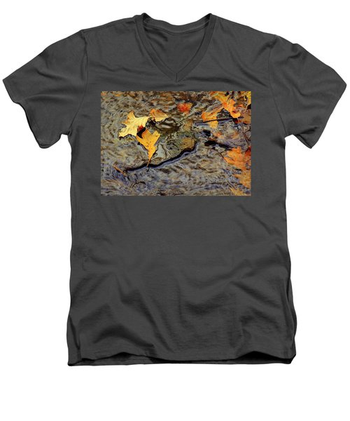 Life Flows Men's V-Neck T-Shirt
