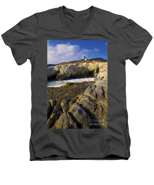 Lifeguard Tower On The Edge Of A Cliff Men's V-Neck T-Shirt