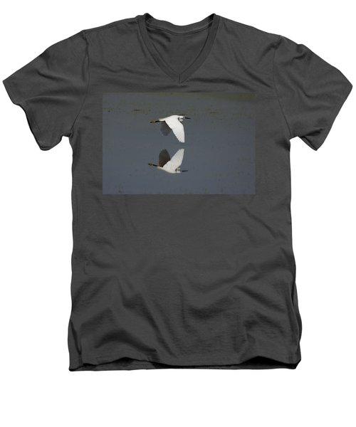 Little Egret In Flight Men's V-Neck T-Shirt