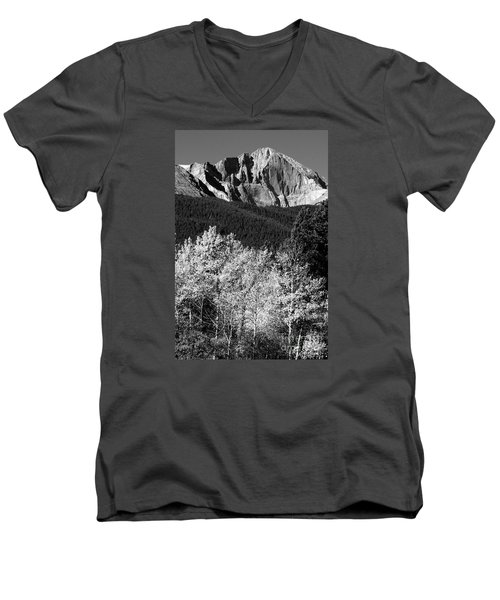 Longs Peak 14256 Ft Men's V-Neck T-Shirt