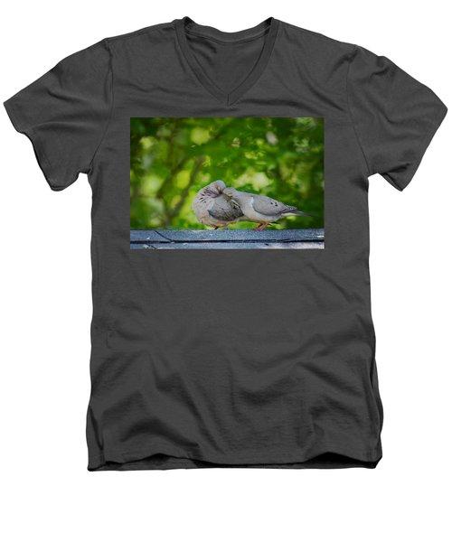Love Doves  Men's V-Neck T-Shirt