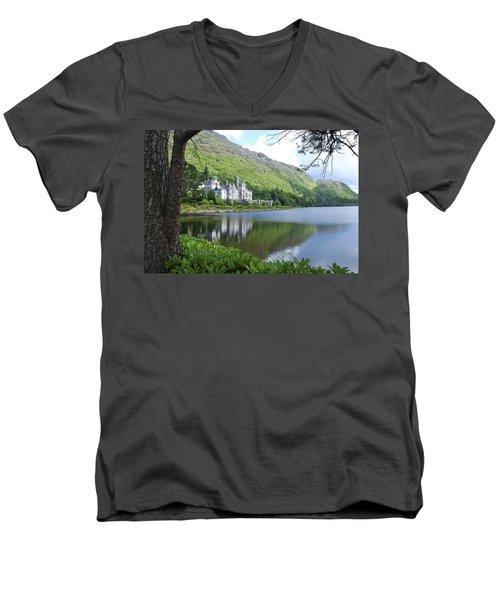 Lovely Kylemore Abbey Men's V-Neck T-Shirt