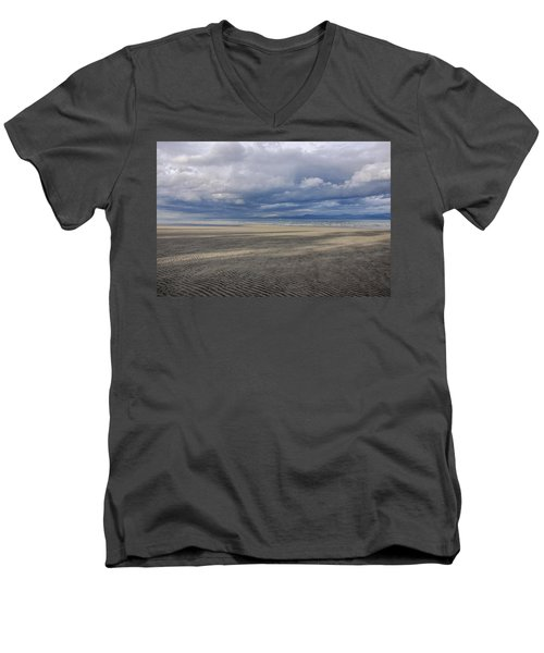 Low Tide Sandscape Men's V-Neck T-Shirt