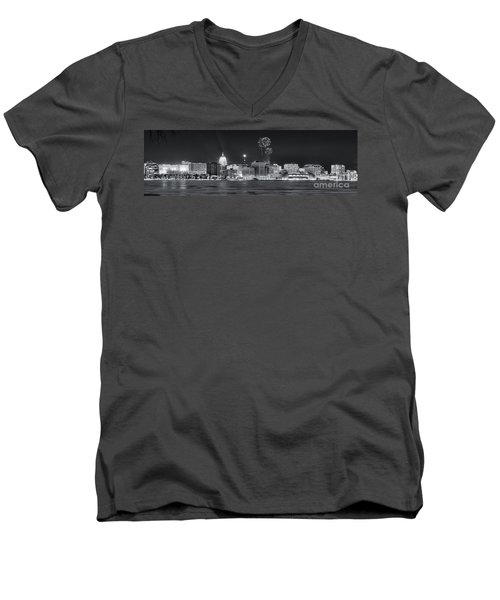 Madison - Wisconsin -  New Years Eve Panorama Black And White Men's V-Neck T-Shirt