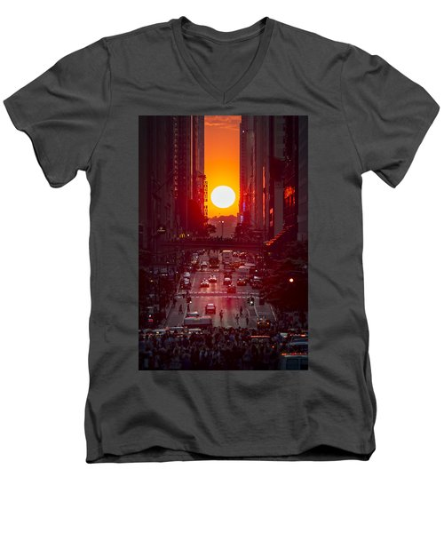 Manhattanhenge Men's V-Neck T-Shirt