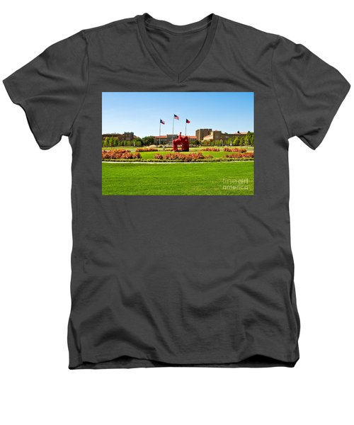 Men's V-Neck T-Shirt featuring the photograph Memorial Circle by Mae Wertz