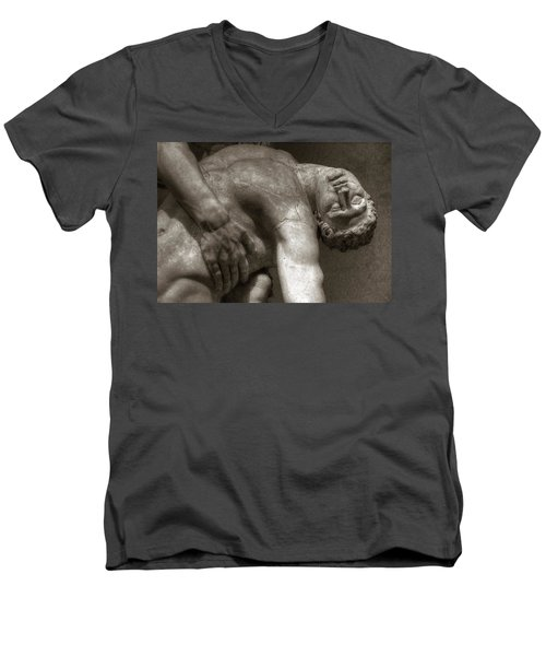 Menelaus Supporting The Body Of Patroclus Men's V-Neck T-Shirt