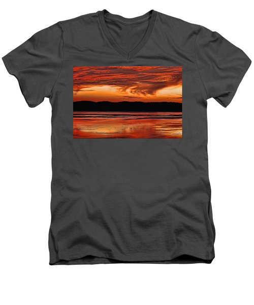 Men's V-Neck T-Shirt featuring the photograph Mississippi River Sunset by Don Schwartz