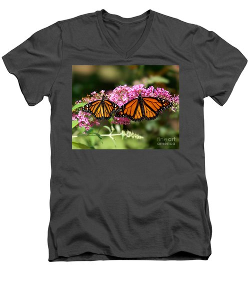 Monarch Butterflies Men's V-Neck T-Shirt