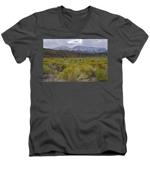 Mono Basin Lee Vining 1 Men's V-Neck T-Shirt