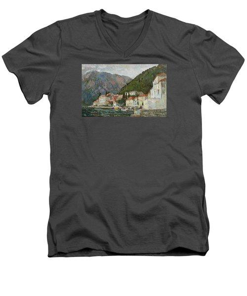 Montenegrin Venice Men's V-Neck T-Shirt