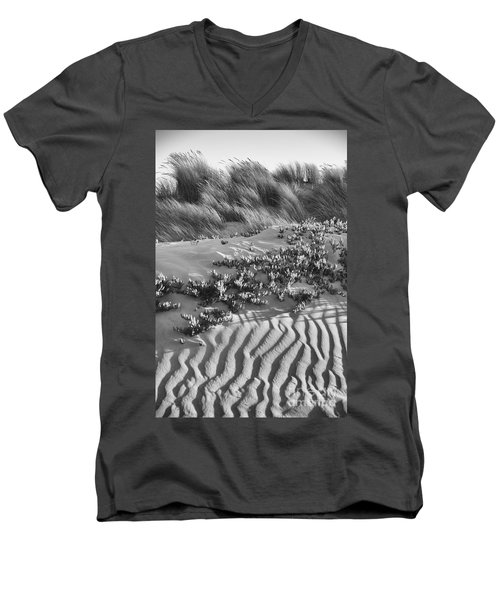 Morro Beach Textures Bw Men's V-Neck T-Shirt