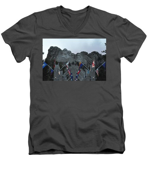 Mt. Rushmore In The Evening Men's V-Neck T-Shirt