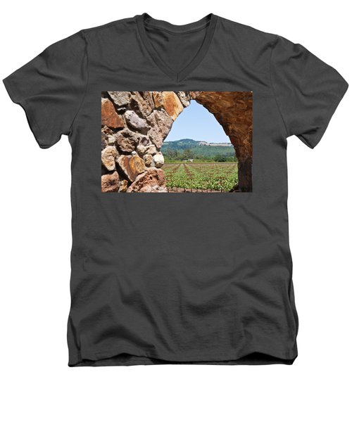 Napa Vineyard Men's V-Neck T-Shirt