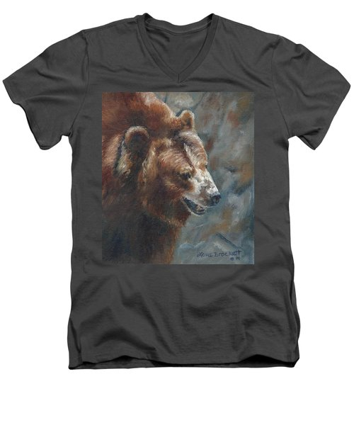 Nate - The Bear Men's V-Neck T-Shirt