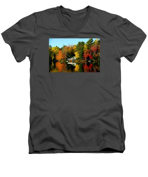 New England Men's V-Neck T-Shirt